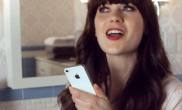 Zooey Deschanel con iPhone 4S