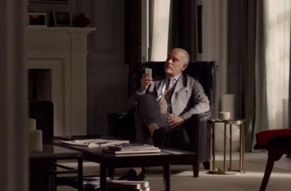 John Malkovich con Siri