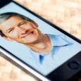 Tim Cook en un iPhone