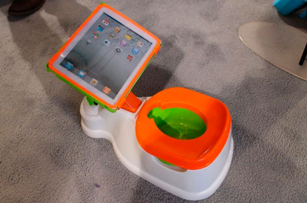 El primer orinal para nios con dock para iPad integrado